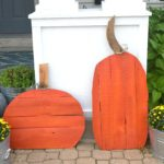 DIY wood pallet pumpkins