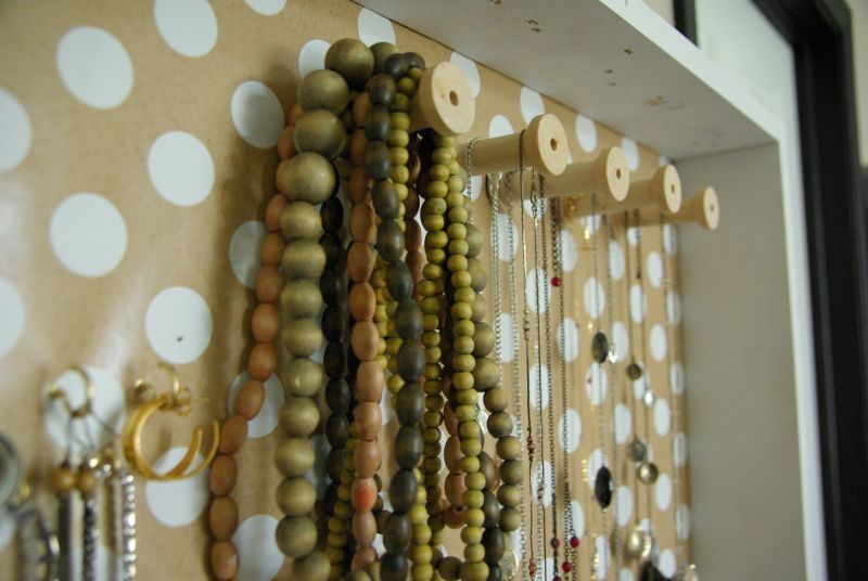 DIY wall jewelry holder, Homedit project