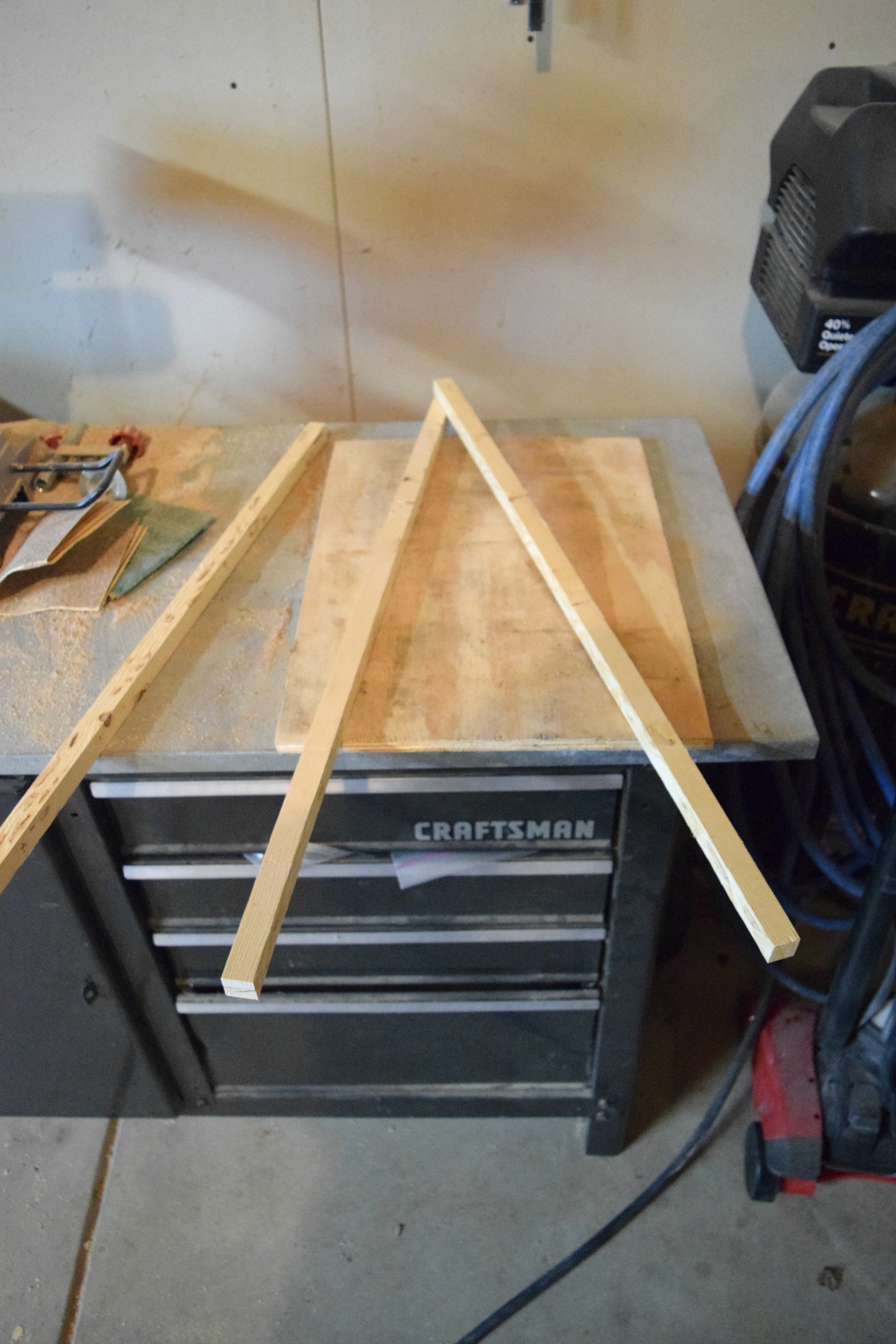making wood triangle frame