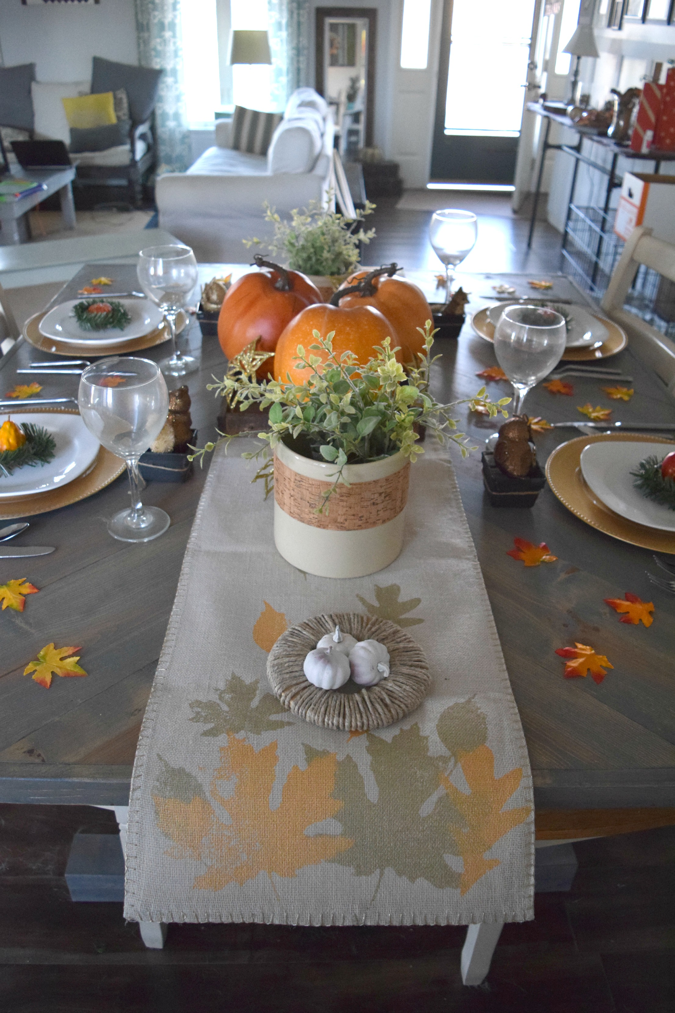 tahsnkgiving table ideaas