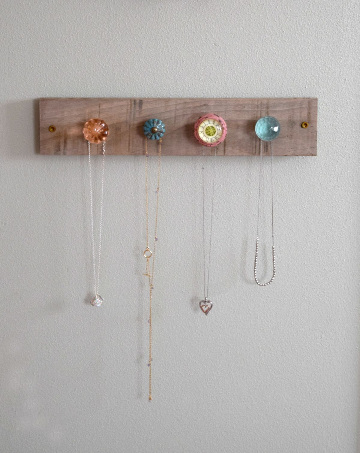 DIY jewelry wall display – girl bedroom