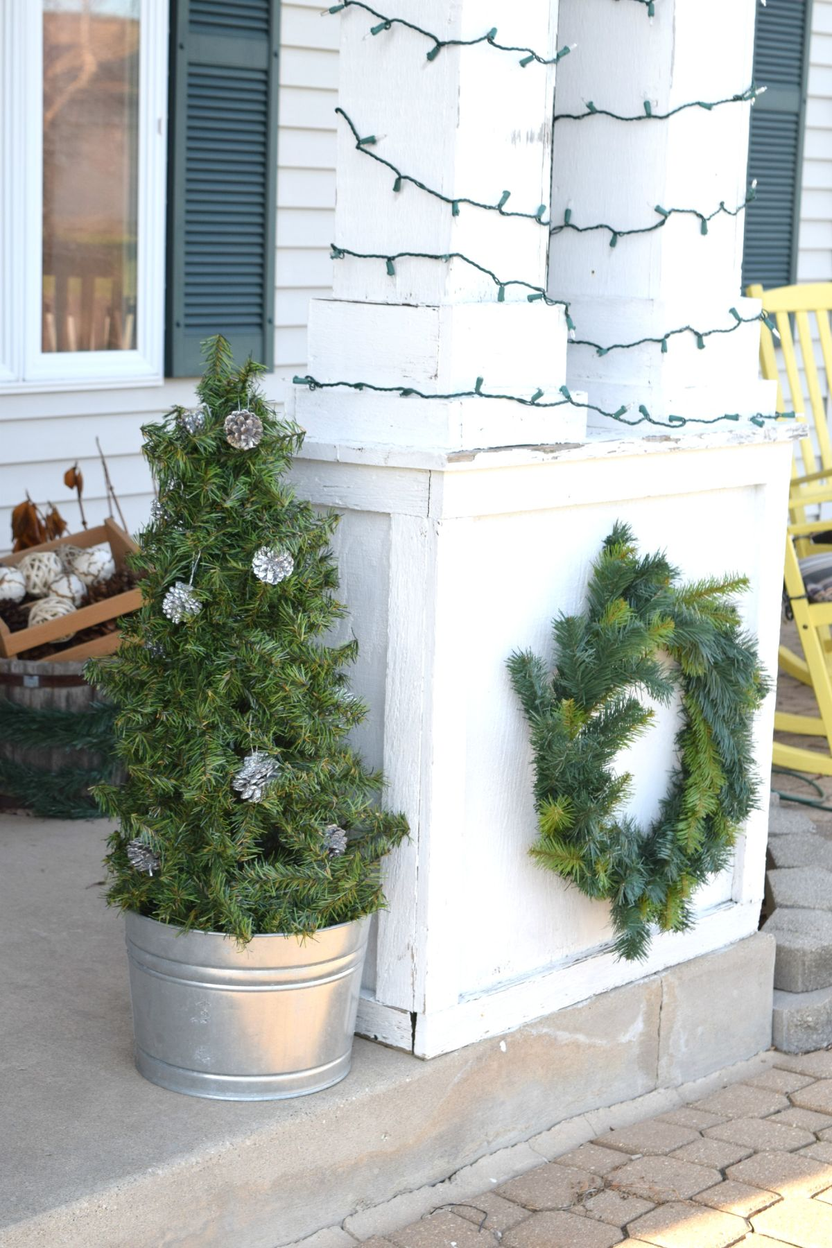 Topiary from tomato cage- Homedit article