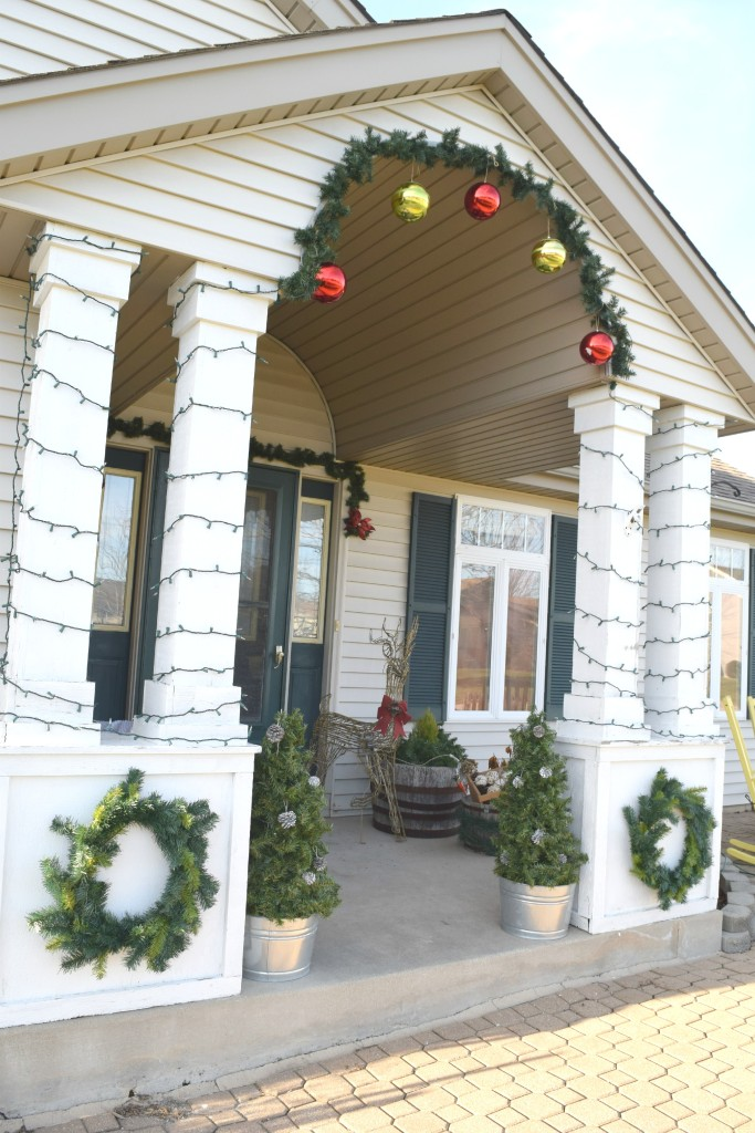 DIY christmas front porch