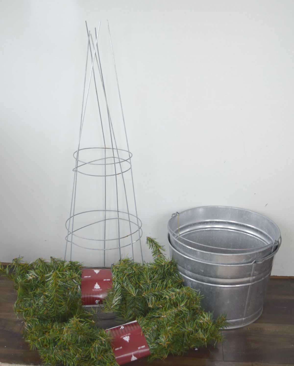 Materials-to-create-Christmas-topiary