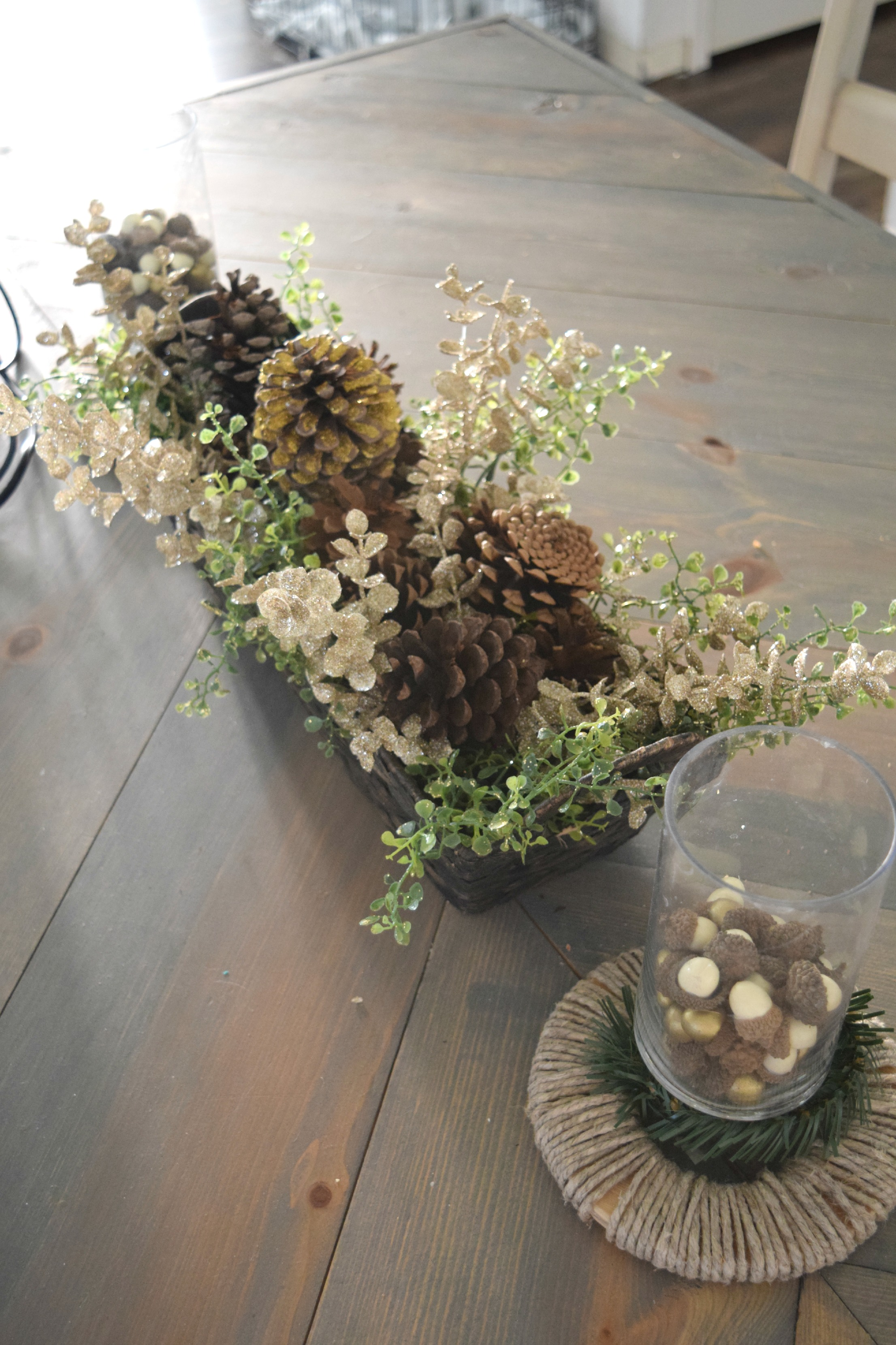 dinging table decor