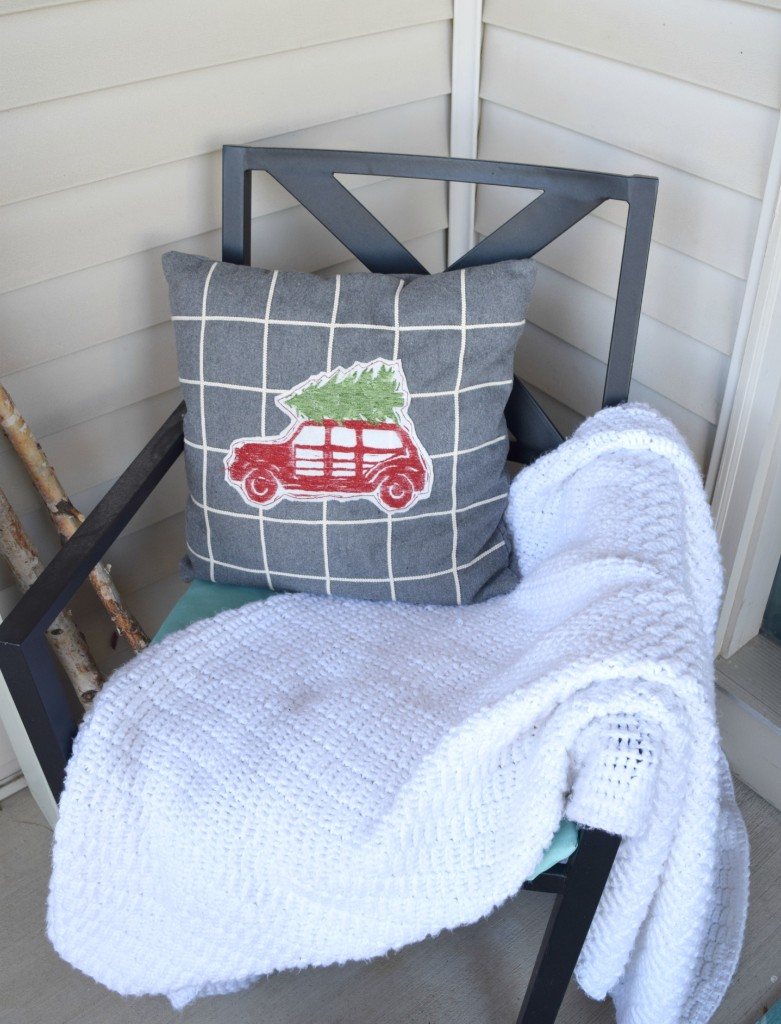 outdoor christmas chair