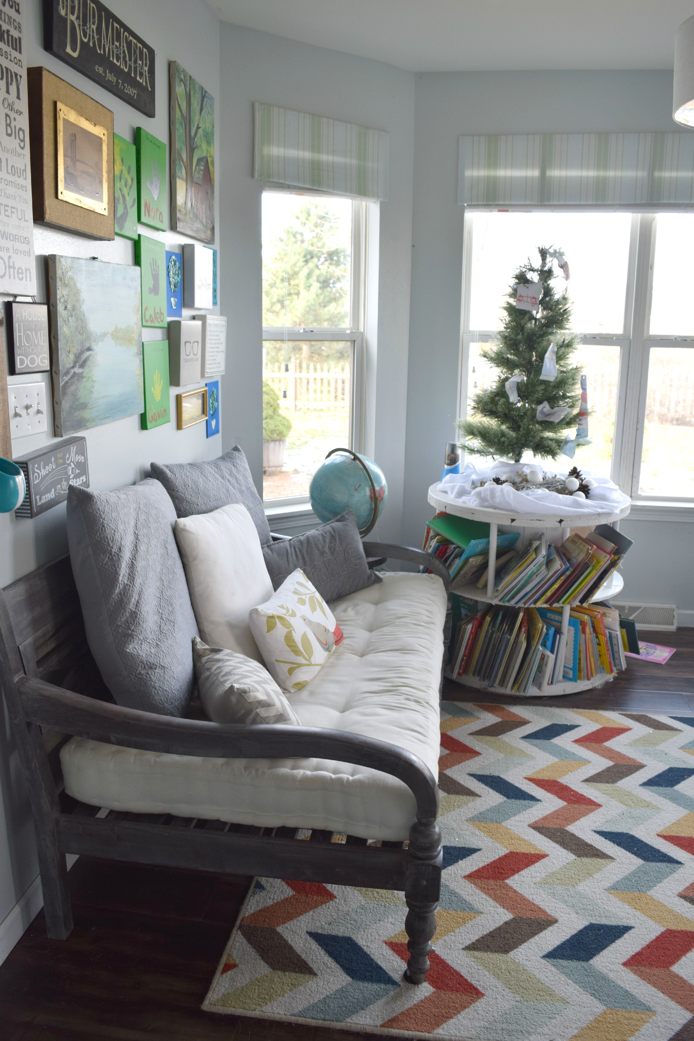 sitting room with Christmas tree