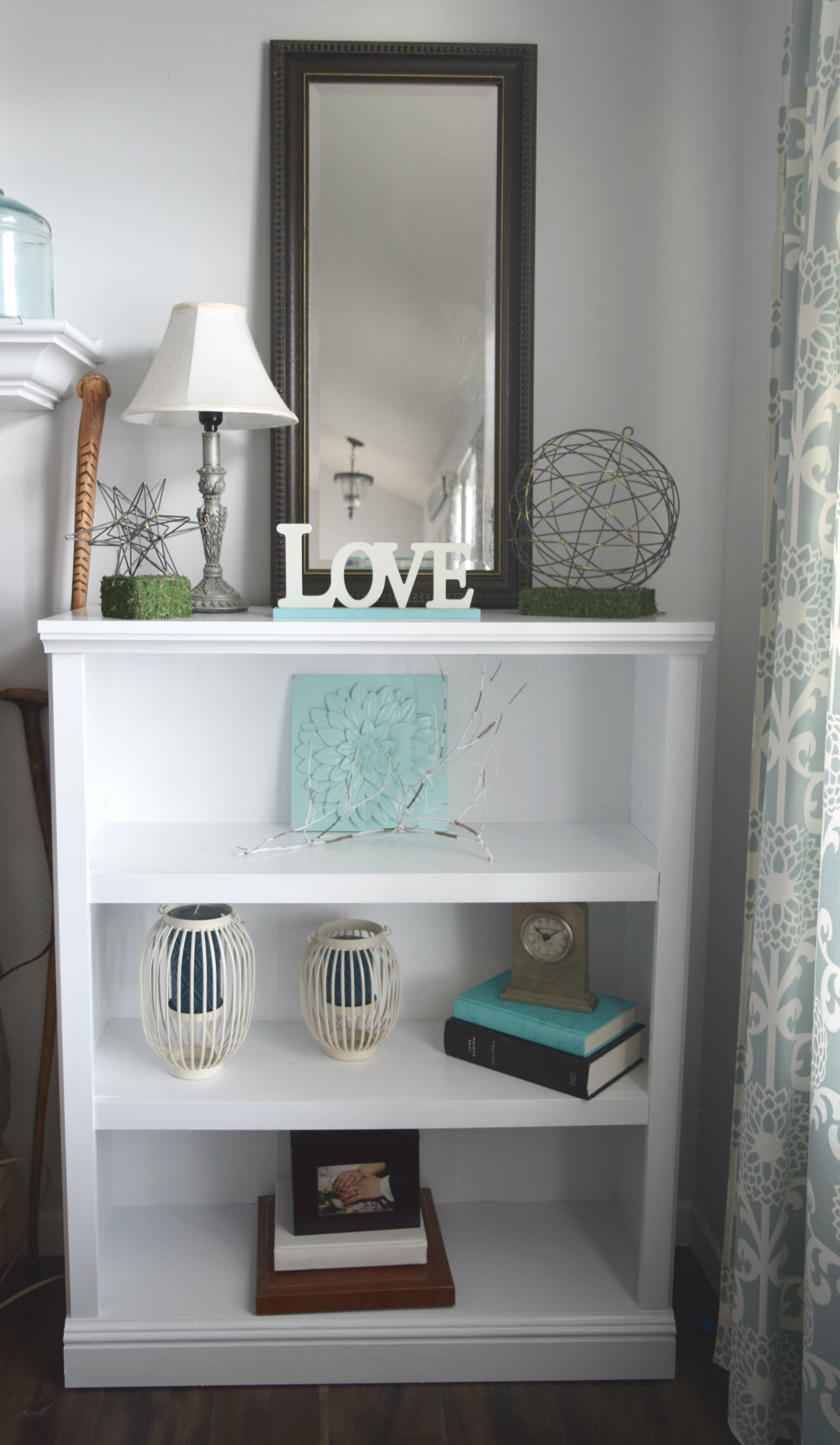 Furniture refresh – white bookshelf