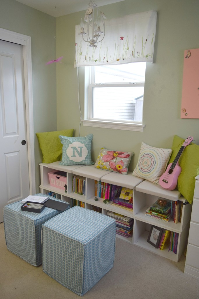 seating area girl bedroom