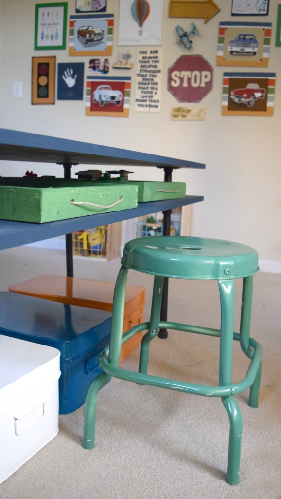 stool for play table