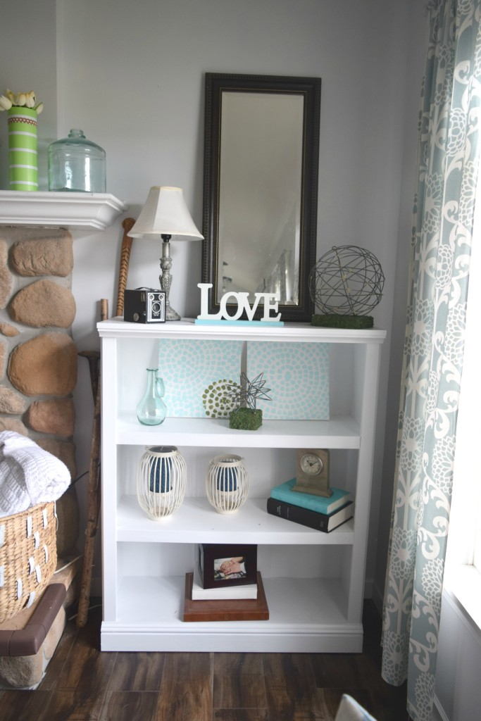 coastal bookshelf decor