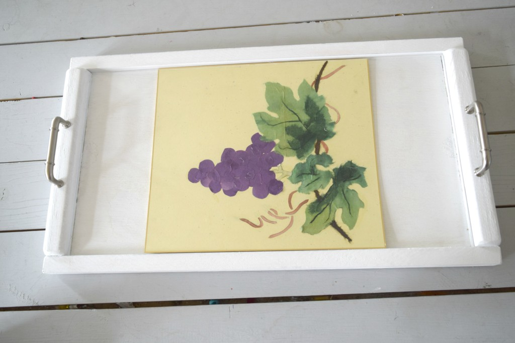 grapes in tray