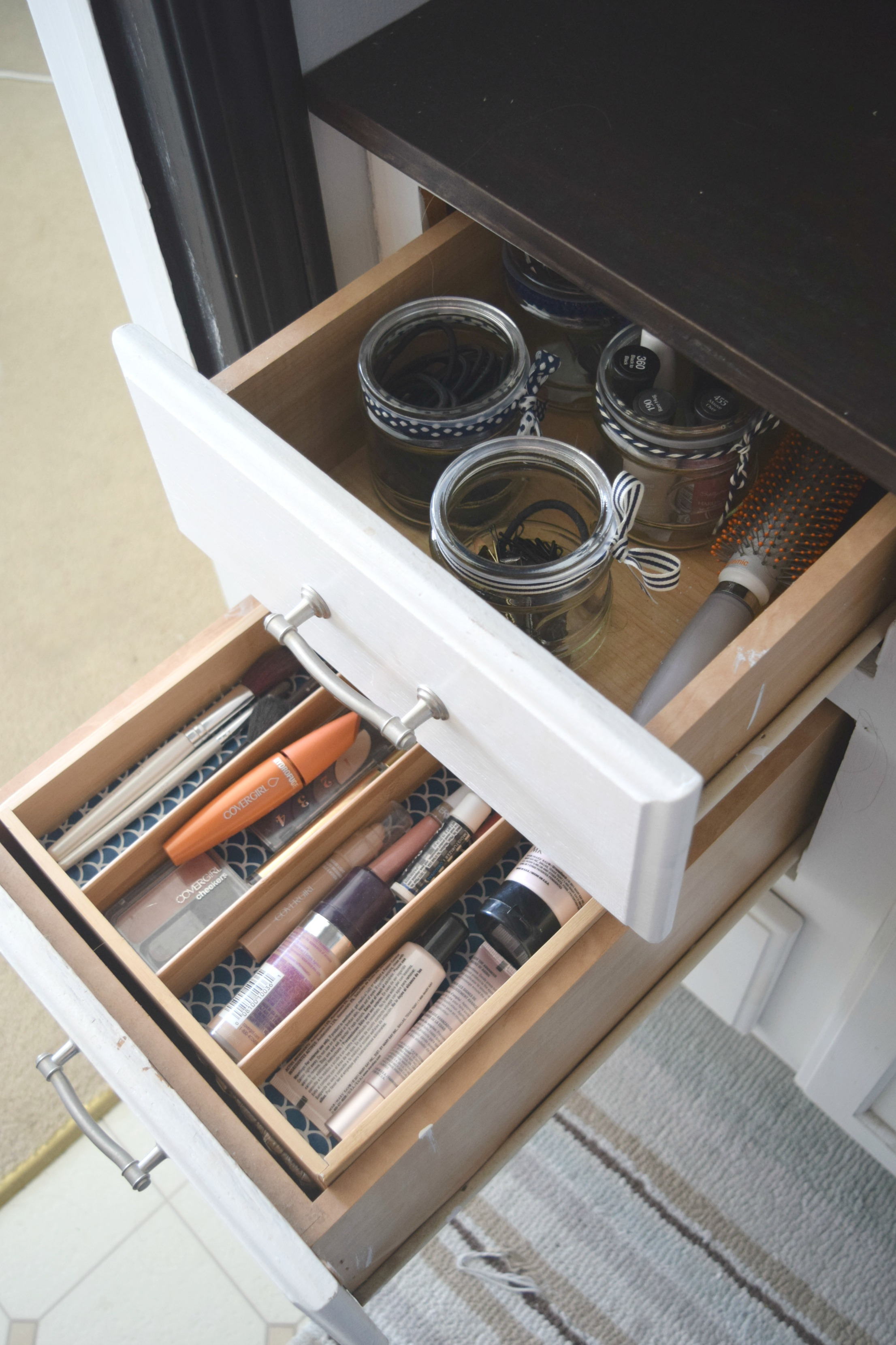 Simple ways to organize bathroom drawers our house now a for Bathroom drawers