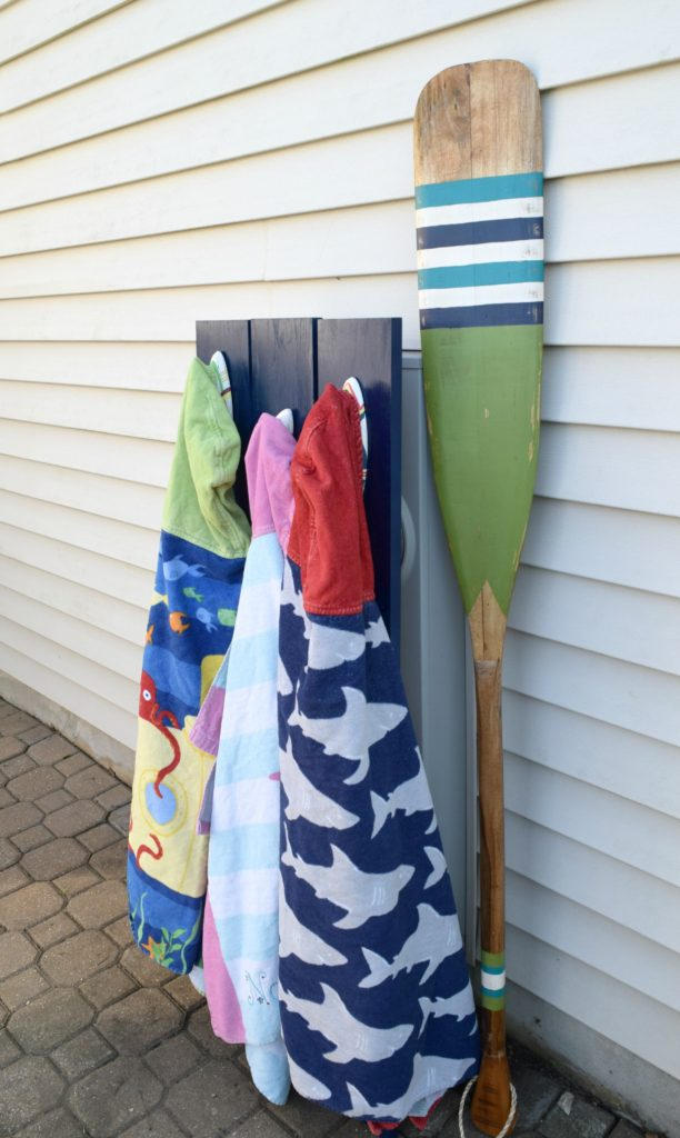 outdoor towel rack DIY