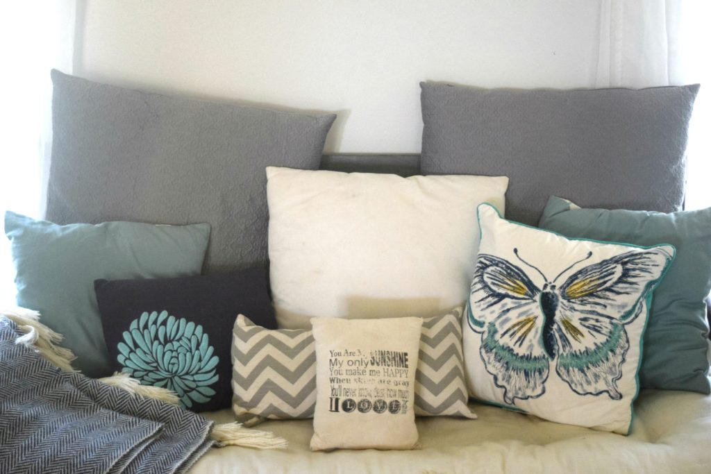 bench pillow ideas