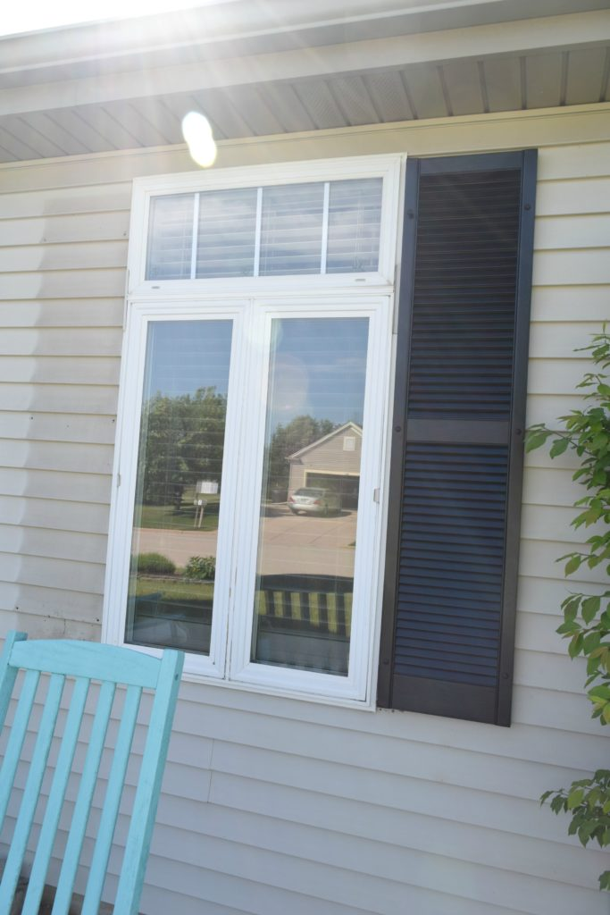 how to remove shutters