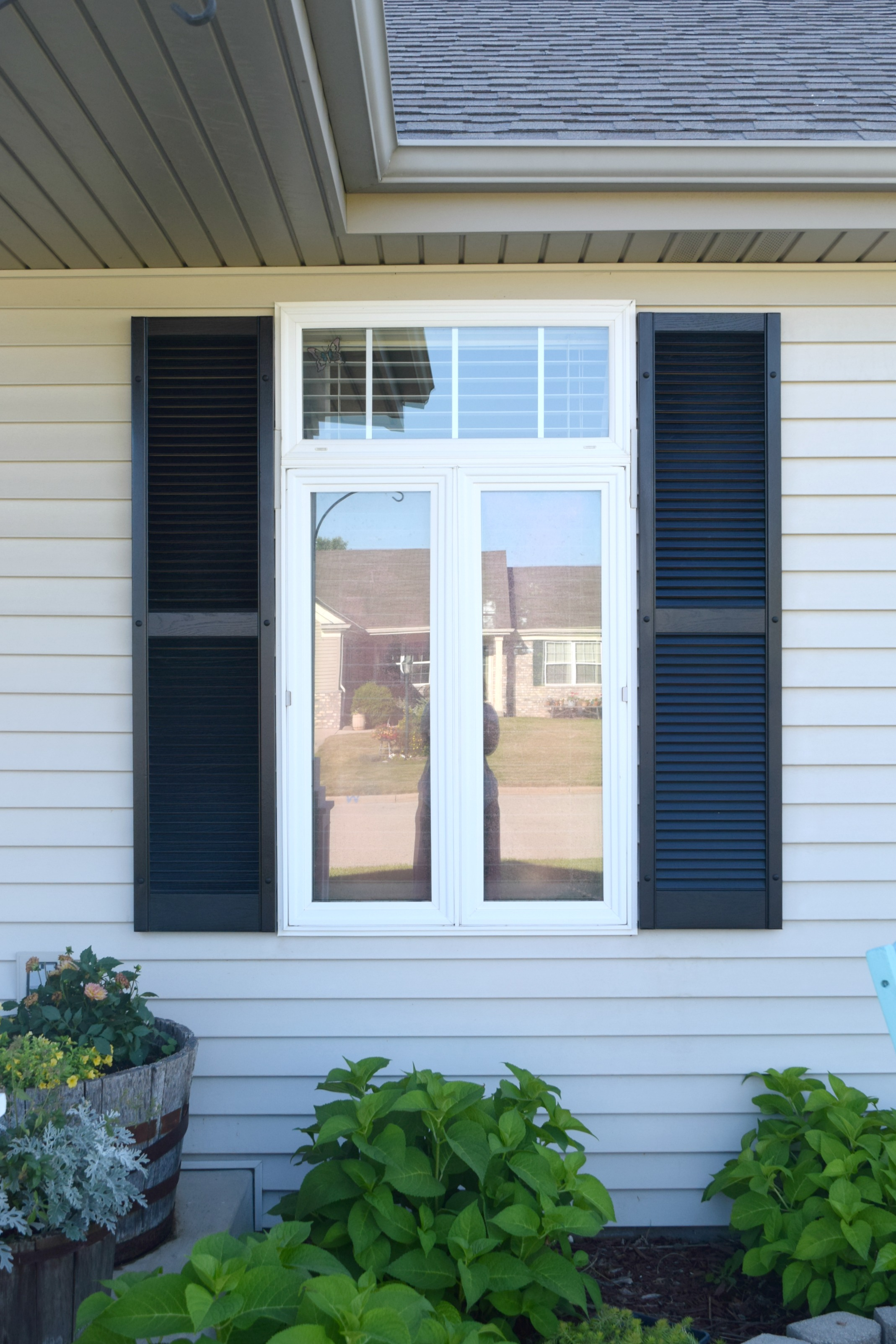 I think that Adding curb appeal how to paint shutters and front door can be helpful to many. I know that when thinking of selling a home the first item to ... & Adding curb appeal how to paint shutters and front door \u2022 Our ... Pezcame.Com