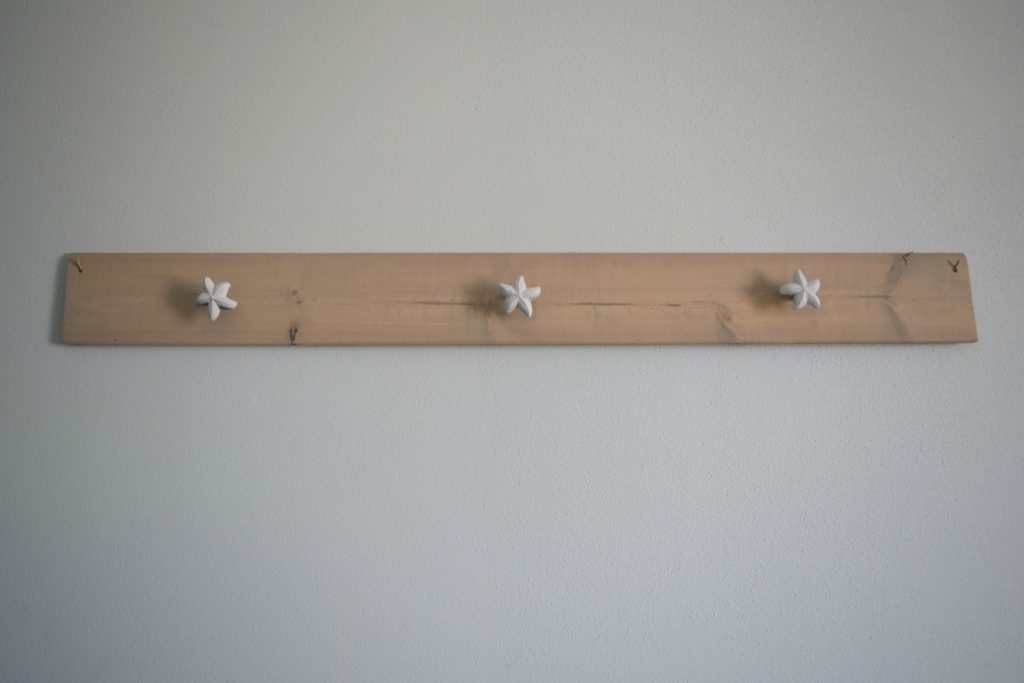 wood scrap picture hanging ledge