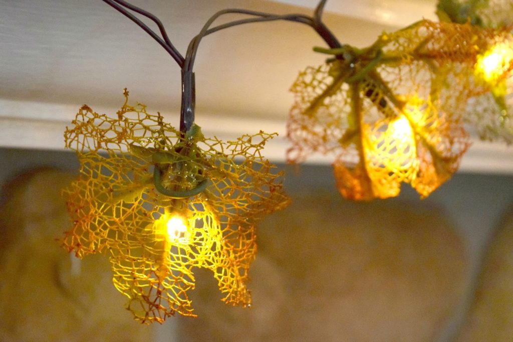 glow light garland with leaves