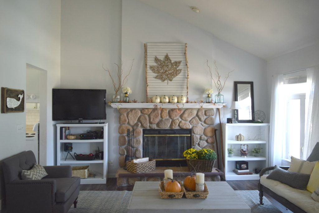 family room holiday decor
