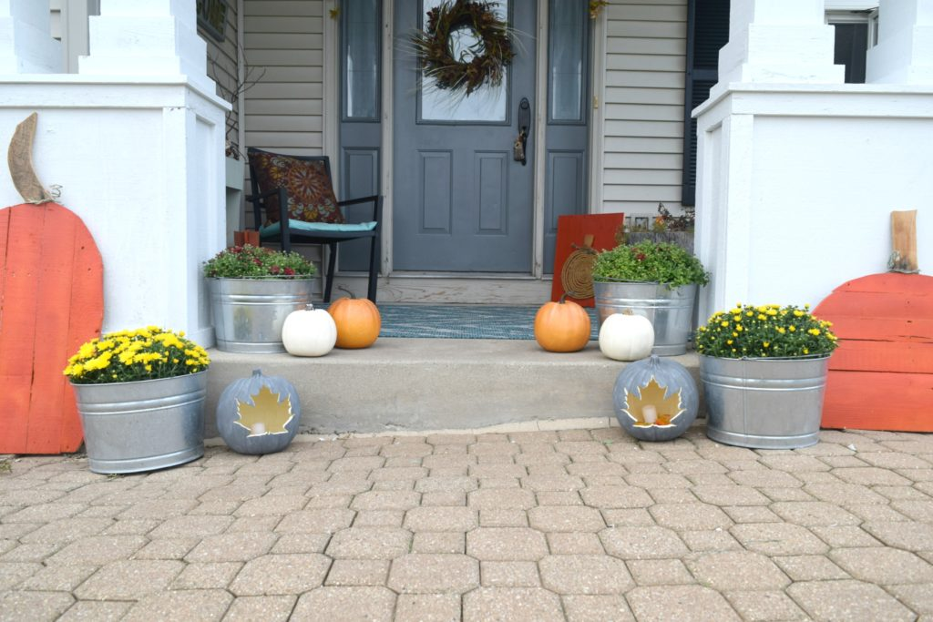 decorating with pumpkins for fall