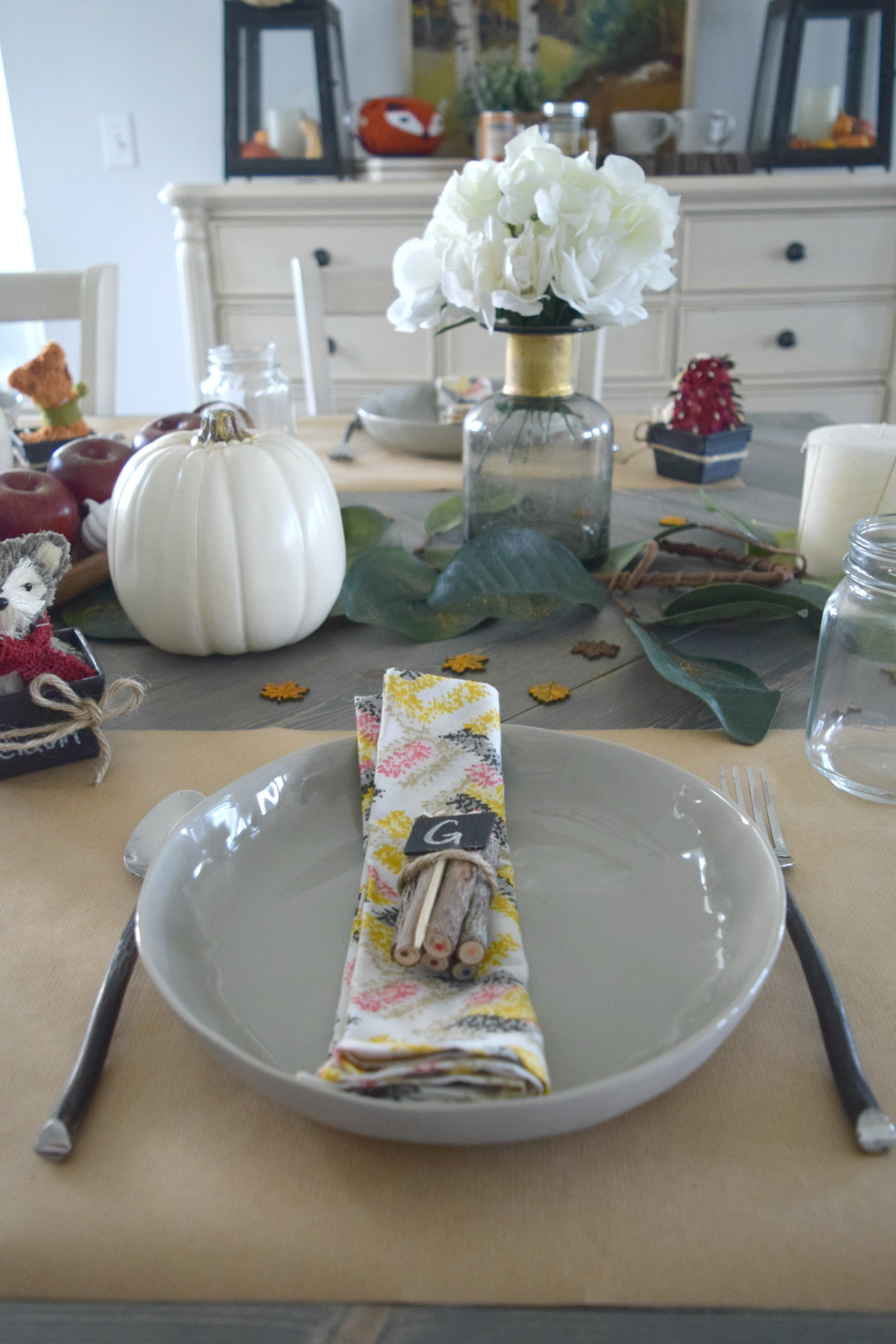 fall theme place setting