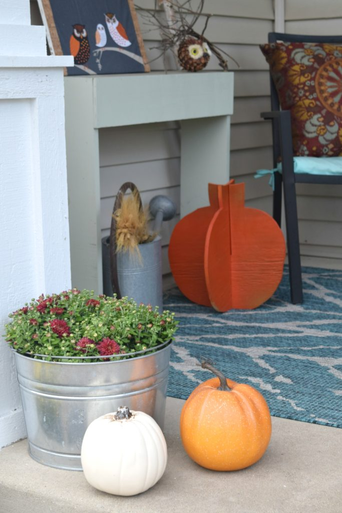 decorating with pumpkins and flowers for fall