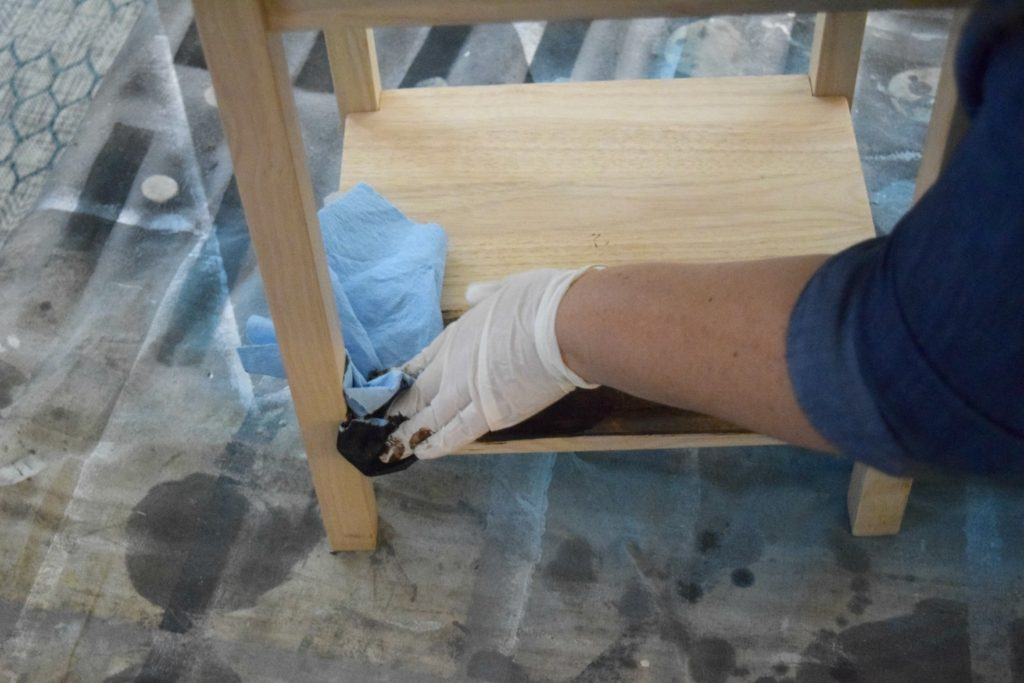 how-to-stain-wood