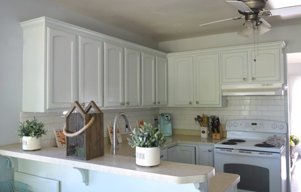 small kitchen solutions to decorate