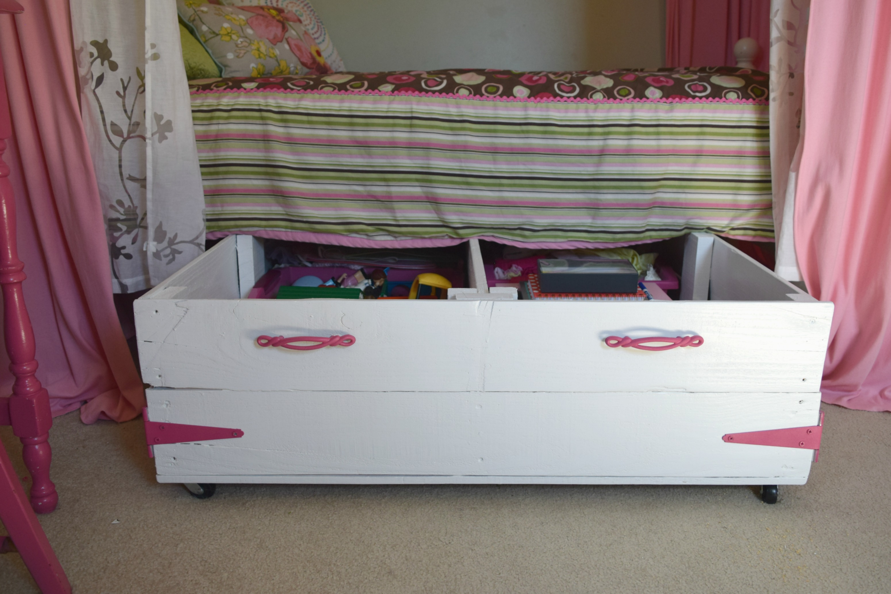 diy wood pallet under bed toy storage our house now a home. Black Bedroom Furniture Sets. Home Design Ideas
