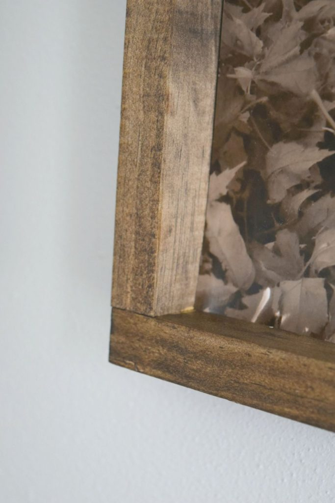 closer-look-to-stained-picture-frame
