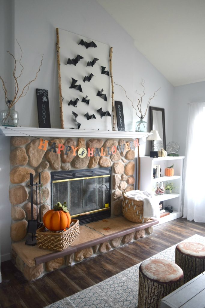 spooky-and-fun-halloween-fireplace-decor