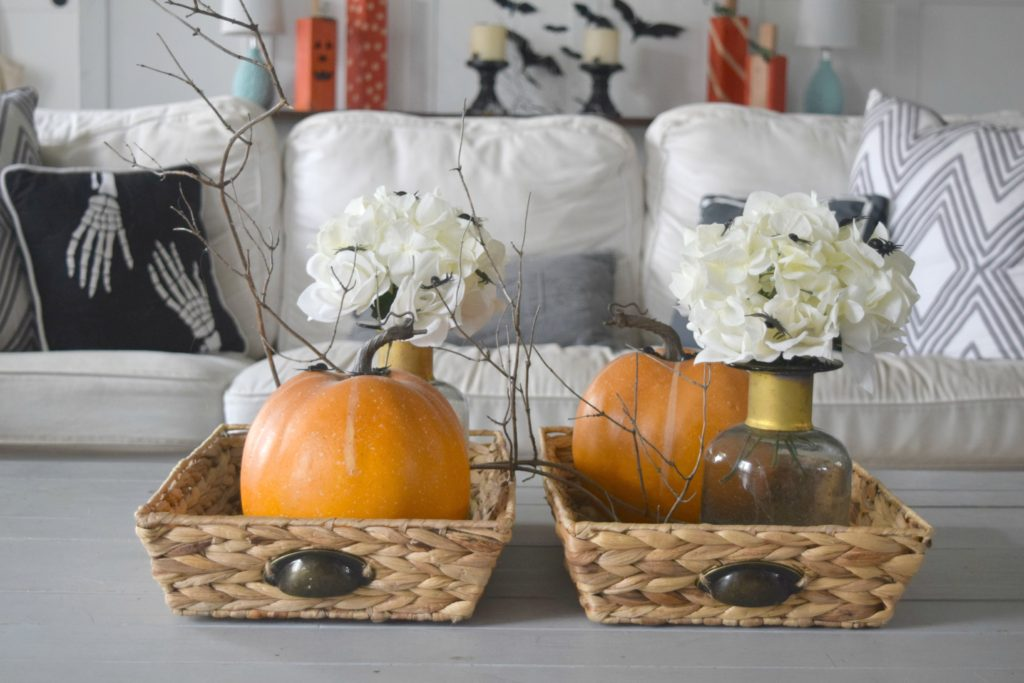 coffee-table-halloween-decor