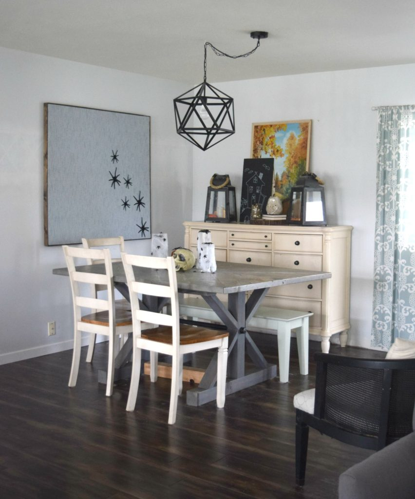 halloween-decorated-dining-room