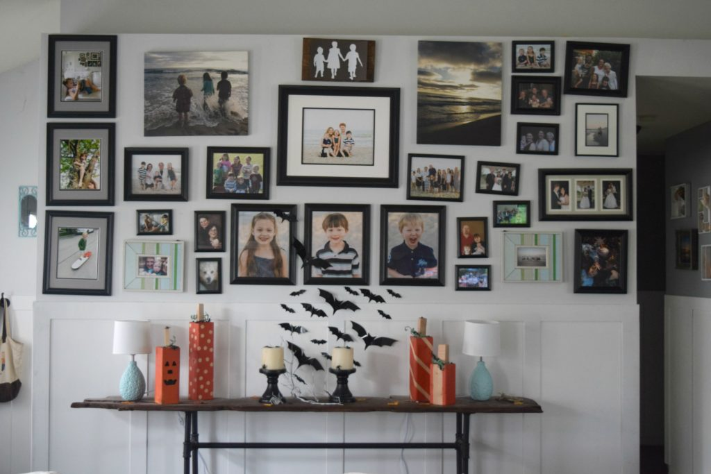 halloween-gallery-wall