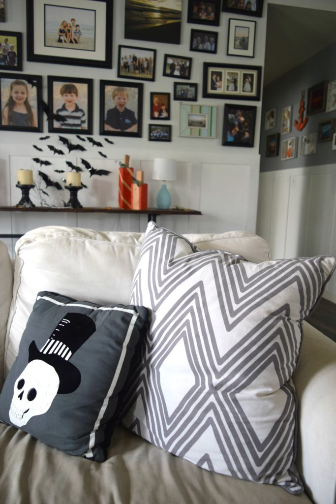 skull-throw-pillows