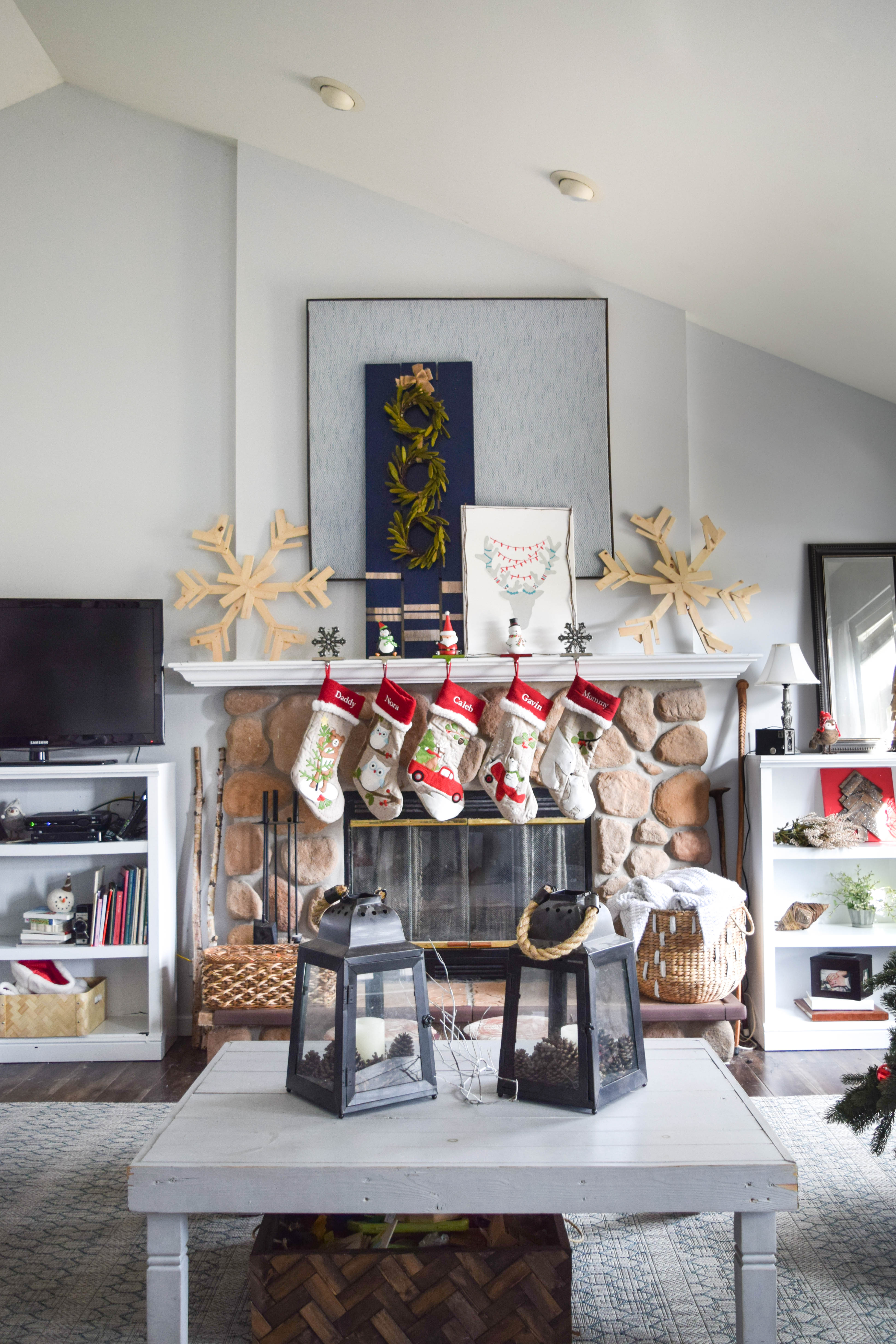 Christmas home decorations our house now a home for Christmas home decor 2016