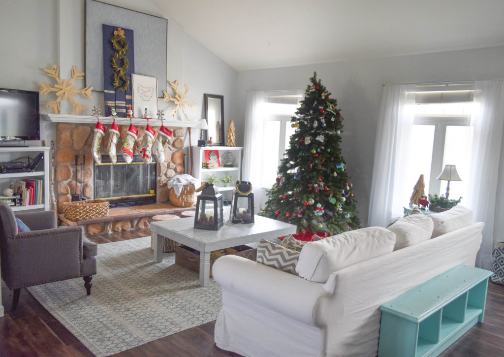 christmas-living-room_