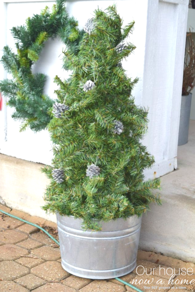 simple and low cost DIY Christmas tree idea
