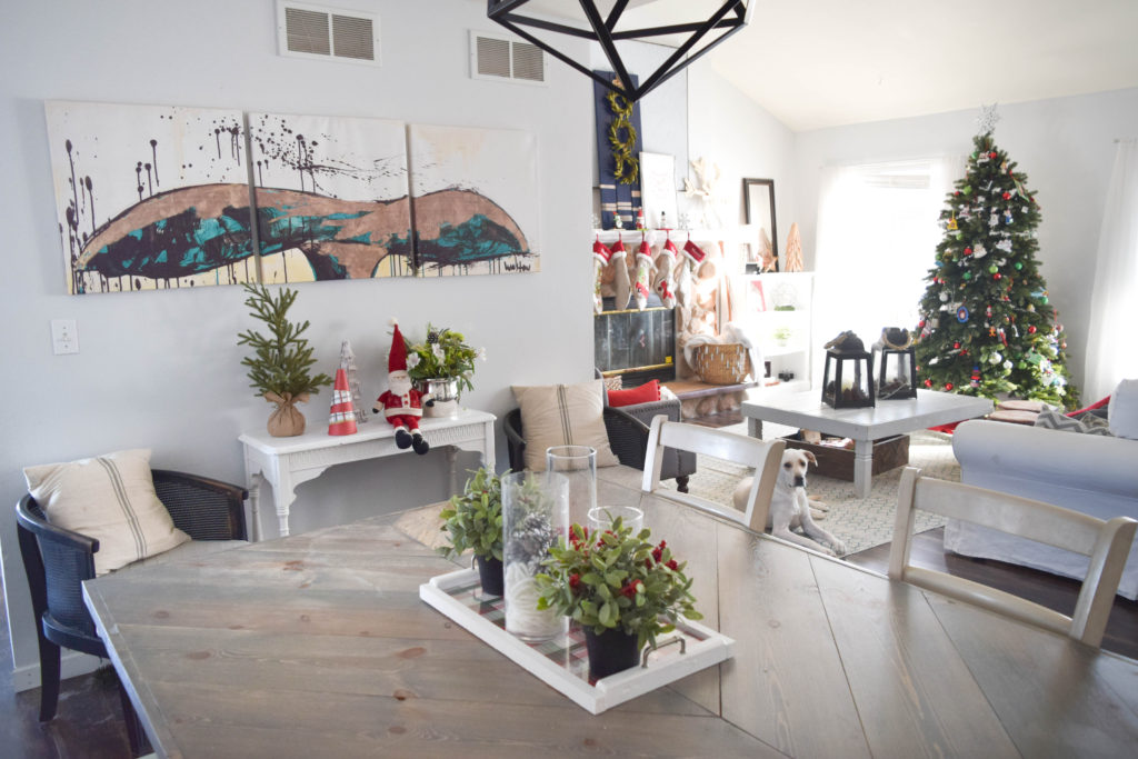 christmas-decorated-home-with-coastal-style_
