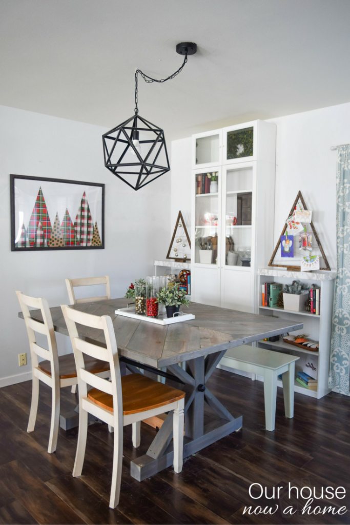 dining-room-christmas-decor