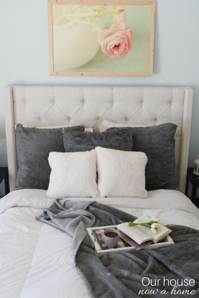 cozy-decorating-for-a-bedroom-in-winter-1
