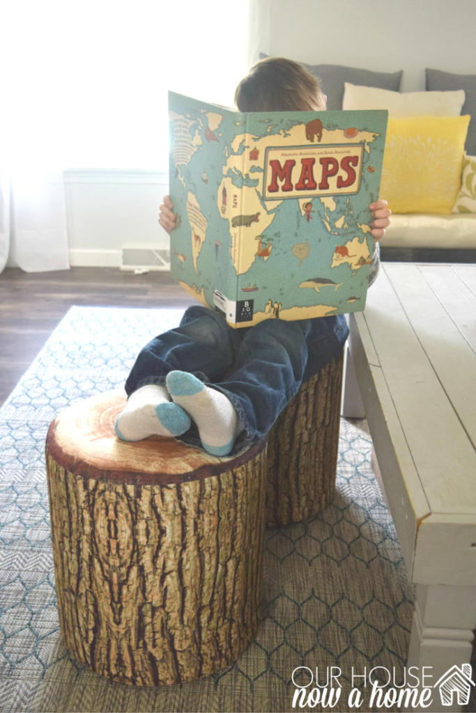 kids-on-tree-trunk-stool