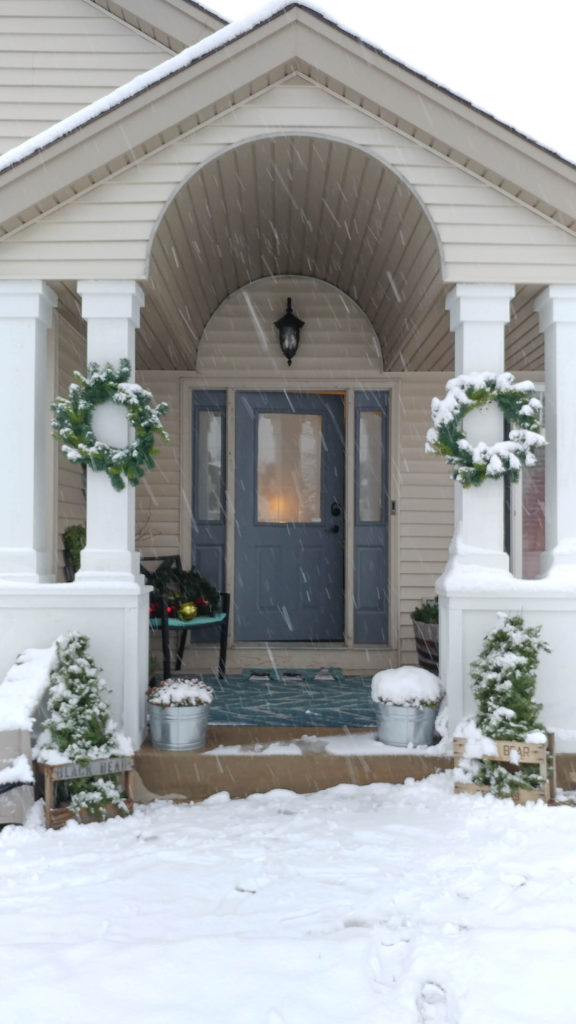 winter-wonderland-front-porch-pictures_