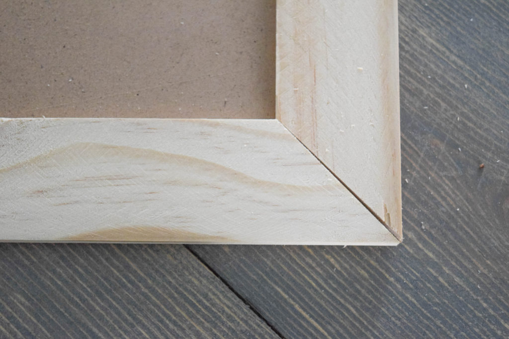 corner for DIY picture frame