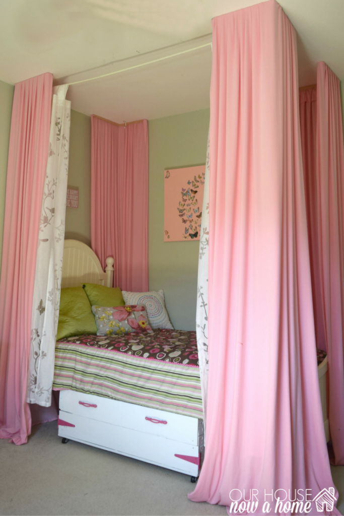 Bright & colorful girl bedroom- small changes with a big impact ...