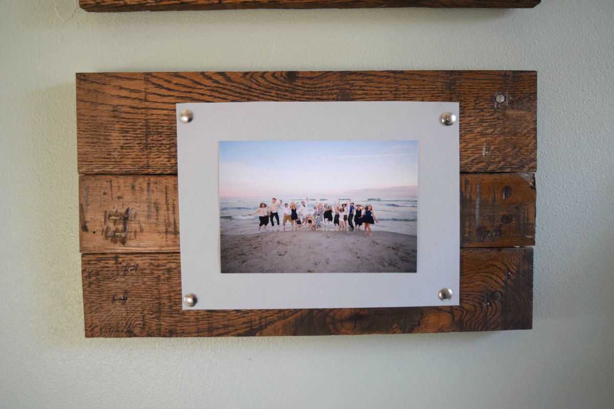 Easy To Make Picture Frame And Wall Display Bringing Rustic And