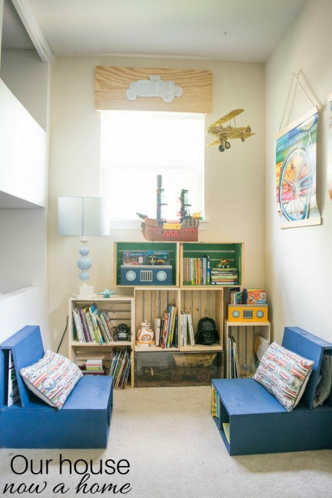 Boy bedroom decorating ideas. Easy to make, DIY kids bedroom reading nook. Low cost crate bookshelf, simple DIY