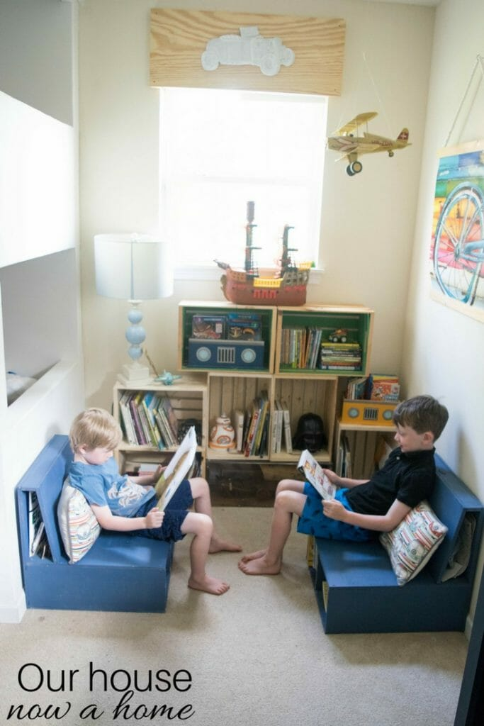 Easy to make, DIY kids bedroom reading nook. Low cost crate bookshelf, simple DIY