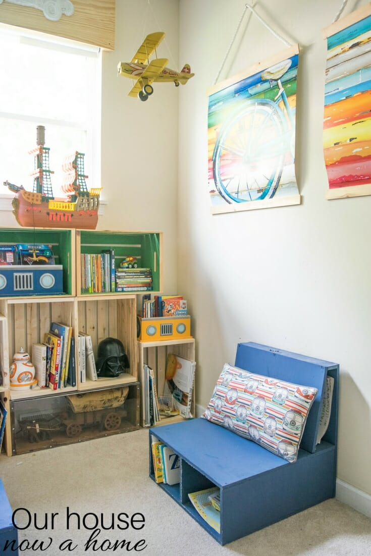 Easy to make, DIY kids bedroom reading nook. Low cost crate bookshelf, simple
